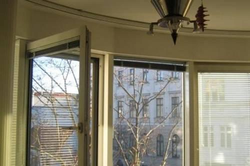 letzte Stockwohnung mit Terrasse, modernes offenes Wohnen schöner Bliick, beste Infrastuktur,