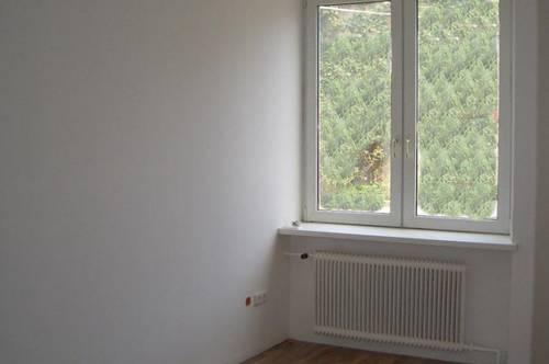 14065 - GARTENWOHNUNG, 3 Zimmer, 73 m², Parkplatz