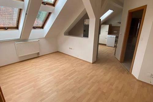 14267 - Helle Dachgeschosswohnung Nähe Neulengbach