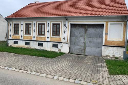 Altes Haus mit viel Grund, Nebengebäuden und großem Schuppen!!!Nähe Laa an der Thaya/Gaubitsch