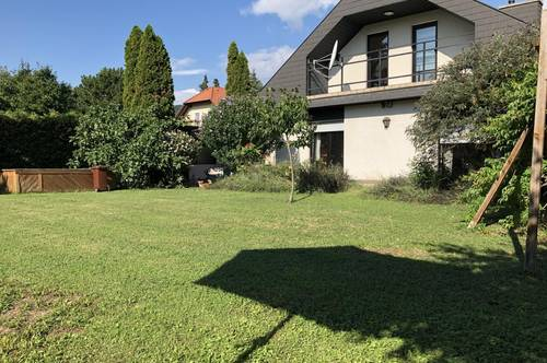 Wundervolles Einfamilienhaus mit Pool & Garage