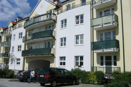3 Zimmer Wohnung mit Balkon und Parkplatz