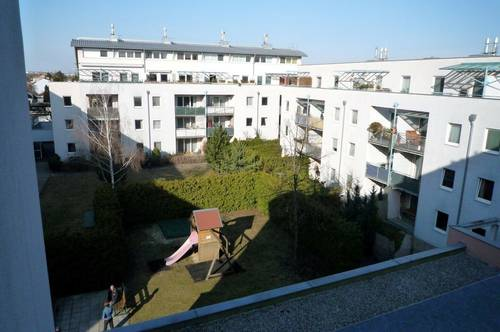 helle 3-Zimmer Wohnung mit Loggia