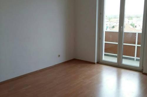 3 Zimmer Wohnung mit Küche und Balkon