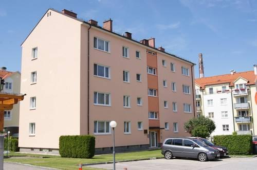 Großzügig angelegte 3 Zimmer Wohnung