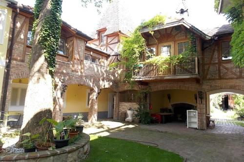3 Zimmer Wohnung mit Balkon in historischem Ensemble - Wohnen wie im Urlaub
