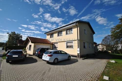 Mehrfamilienhaus mit riesigem Grund zu verkaufen!
