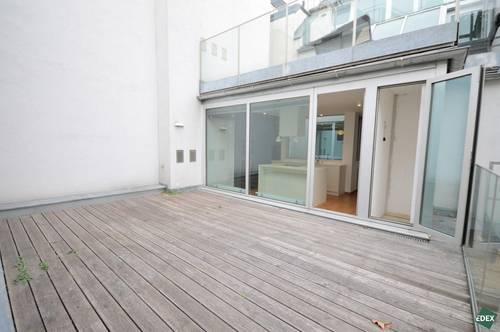 Modernes Dachgeschoß mit uneinsichtigen Terrassen