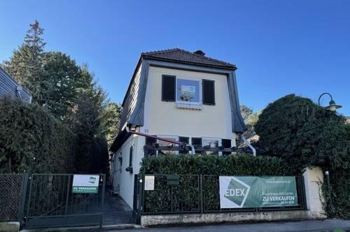 Elegantes Einfamilienhaus mit großen Garten in beliebter Wohnlage