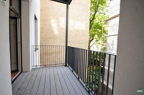 Generalsanierte 2-Zimmer-Wohnung mit Balkon in ruhiger Lage