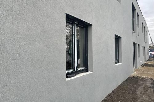 Gartenwohnung mit nagel neuer DanKüche und Siemens Geräten // Garden-Apartment with brand new DanKitchen and Siemens applainces //