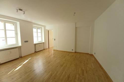 Großzügige Single- Wohnung im Stadtzentrum