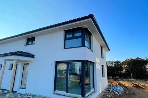 """Doppelhaushälfte mit Garten auf Eigengrund - 126m² WNFl. - Ziegelbau - """"Gänserndorf Süd"""""""