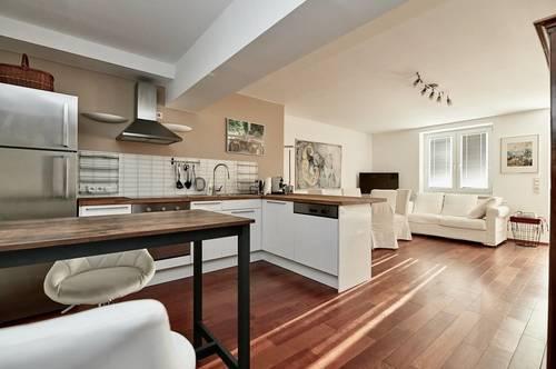 Cottageviertel! Sonnendurchflutete 4-Zimmer-Familien-Wohnung mit Balkon, Garten und zwei Stellplätzen