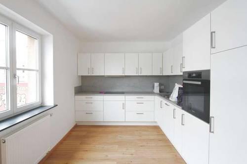 Top sanierte 4-Zimmer-Wohnung nächst der Sterneckkreuzung! Ideal geeignet für Großfamilien oder 2 Generationen-Haushalt