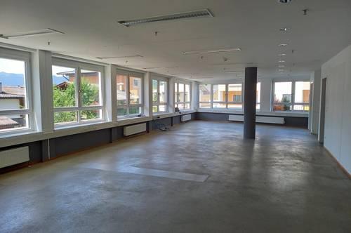 Wörgl: Bürofläche mit Terrasse zu Vermieten oder zu Verkaufen