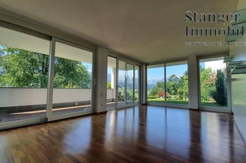 Gelegenheit! Traumhafter Blick auf Innsbruck: 3-Zimmer-Gartenwohnung mit Stellplatz - ab sofort!
