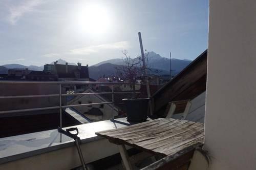Wohnen direkt in der Altstadt! Attraktive und ruhige 3-Zimmer-Dachgeschosswohnung mit Balkon