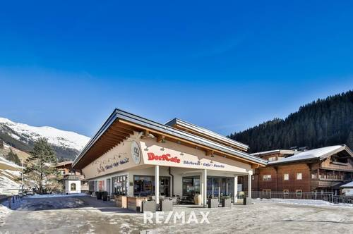 top gepflegtes Wohn- und Geschäftshaus mit Cafe/Restaurant sowie 3 Ferienapartments in Tux