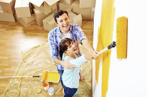 ACHTUNG: Frisch gestrichen! Familienwohnung mit Westbalkon