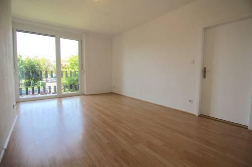 AUFGEPASST - Helle Wohnung - moderne Küche - West-Balkon