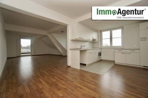 Tolle 3-Zimmer Dachgeschosswohnung mit Balkon in Götzis Top 9/18