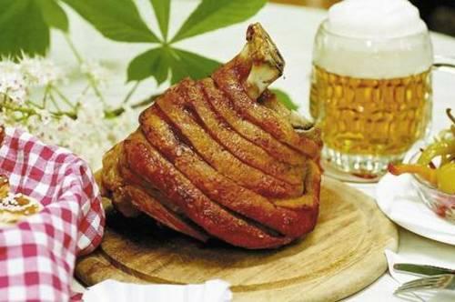mehrfach ausgezeichneter Gastronomie Betrieb **MIT SCHANIGARTEN** ! Eine Geldanlage der besonderen Klasse !