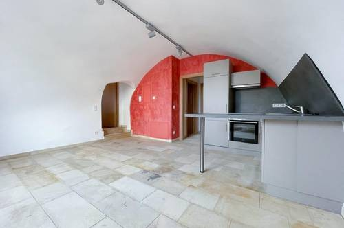 Neue 2-Zimmer-Wohnung mit Gartenzugang und besonderem Altstadtcharme