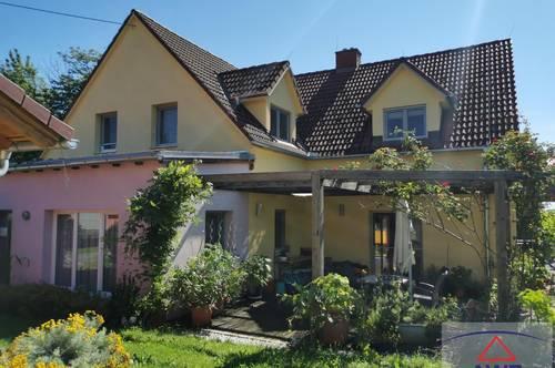 Tolles Haus mit Nebenhaus und perfektem Ausblick!