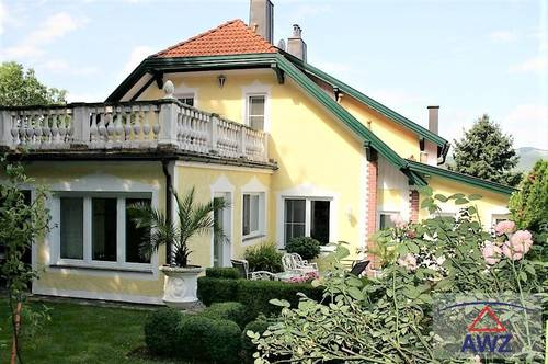 Großzügige Villa/Stadthaus EUR 380.000,- / FÜR ANLEGER!!!