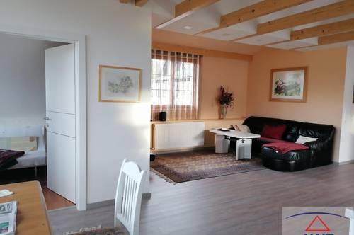 Bewundernswerte Eigentumswohnung mit Dachterrasse sucht Eigentümer!