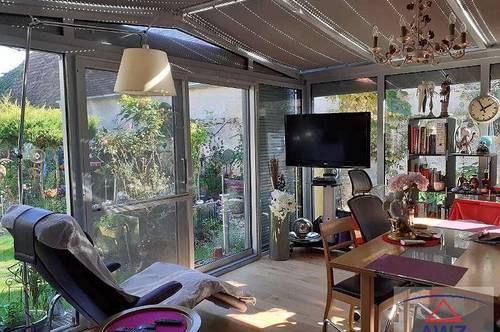 Leistbares Wohnhaus mit Wintergarten in ruhiger Lage