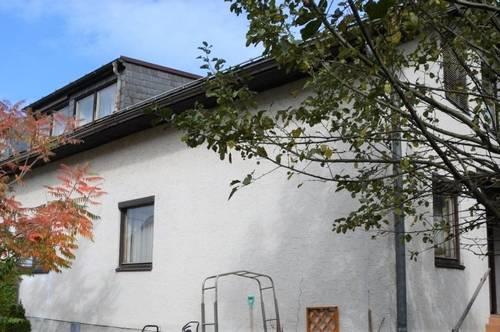 Doppelhaushälfte mit Einfamilienhaus-Charakter!