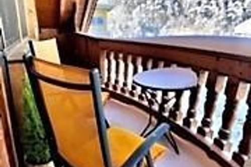 Haustiere willkommen: 3-Zimmer-Mansardenwohnung mit großem Balkon