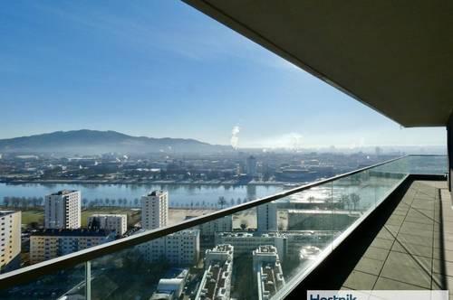 ERSTBEZUG   4 Zimmerwohnung mit 30 m2 Balkon!