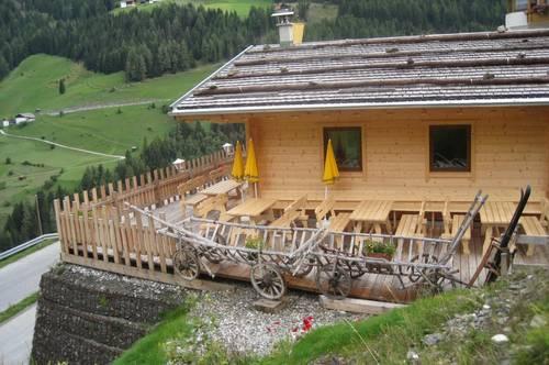 Kleines Ausflugsgasthaus mit Hüttencharakter mit toller Bergkulisse