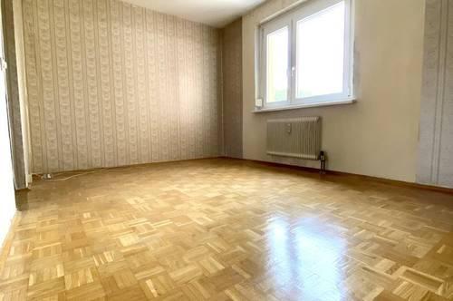 Sanierungsbedürftige Pärchen- oder Jungfamilienwohnung Nähe LKH - 3,5 Zimmer - Loggia - uvm.!!