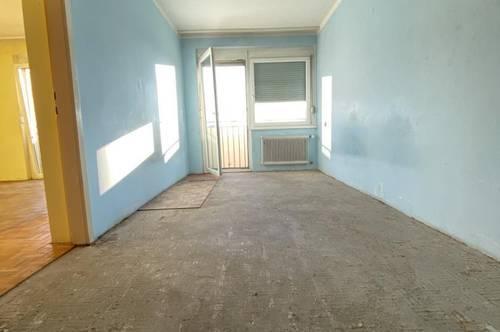 Sanierungsbedürftig 2,5 Zimmerwohnung mit Südbalkon - zentrale Lage