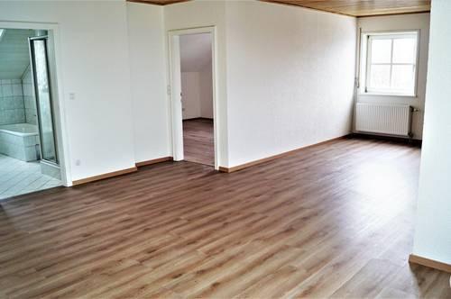 Traumhafte 2 Zimmer Wohnung mit Wintergarten