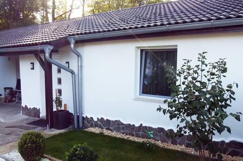 100m² Haus im Grünen mit Doppelgarage und kleinen Garten