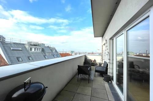 ÜBER DEN DÄCHERN DER STADT: Sonnige DG-Wohnung (97 qm) mit Terrasse und herrlichem Fernblick