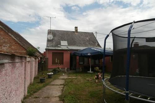 Bernhardsthal: Einfamilienhaus in ruhiger Lage