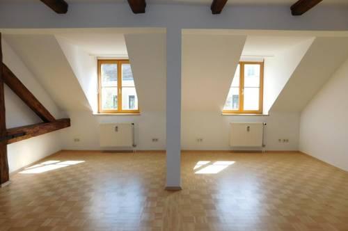 Zentrale 2-Zimmer-Wohnung mit Galerie