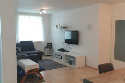 Geräumige, gut aufgeteilte 4-Zimmer Wohnung mit neuer Küche und Terrasse in bekannter Wohnlage in Ried