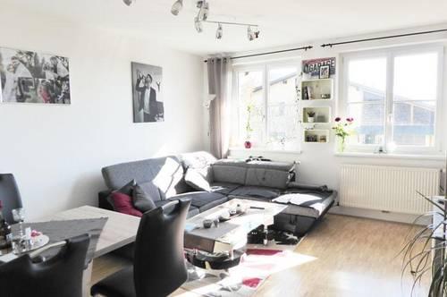 <b> Tolle Single-Wohnung mit besonderem Flair </b>