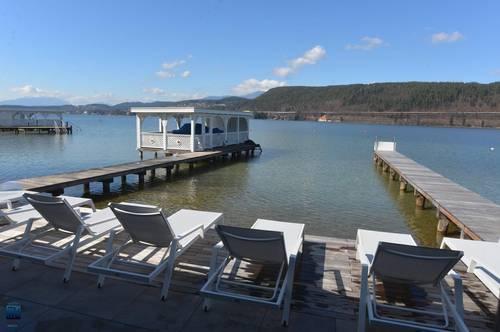 Velden/Wörthersee: SOMMER 2020 am Wörthersee -Exklusive Ferienwohnung mit Seeblick zur Miete mit Pool, eigener Badeplatz, 2 TG
