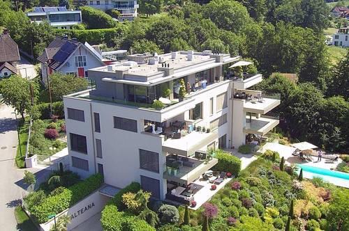 Pörtschach am Wörthersee: EXKLUSIVE 4 Zimmer-Terrassenwohnung mit unverbaubarem Seeblick - 2 Tiefgaragenplätze inklusive