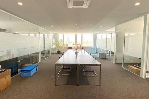 Hall/West-Gewerbegebiet: barrierefreies 6 Zimmerbüro mit gr. Besprechungs/Aufenthaltsbereich und 5 AAP im Freien, Erweiterungsfläche ist vorhanden (Edelrohbau – individuelle Raumeinteilung ist möglich!)