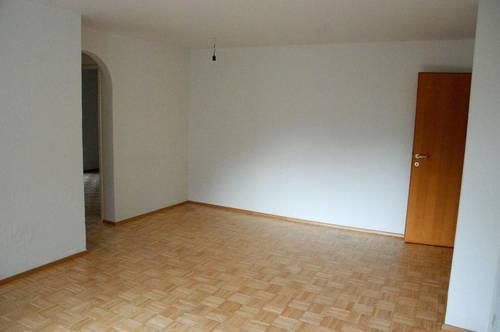 3 Zimmer Wohnung - 1 Autoabstellplatz - Balkon - ca. 60qm