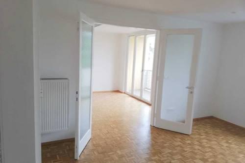 Generalsanierte 3-4 Zimmerwohnung/ Wohnen oder Büro